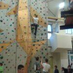 Große Kletterwand